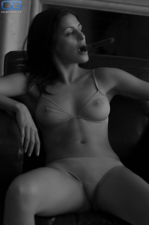 nude woman group shy