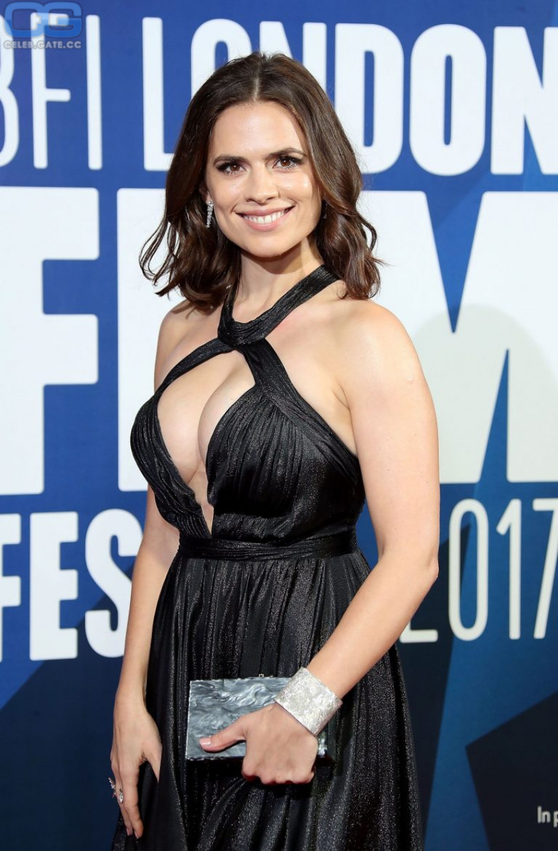 Hayley atwell nackt think