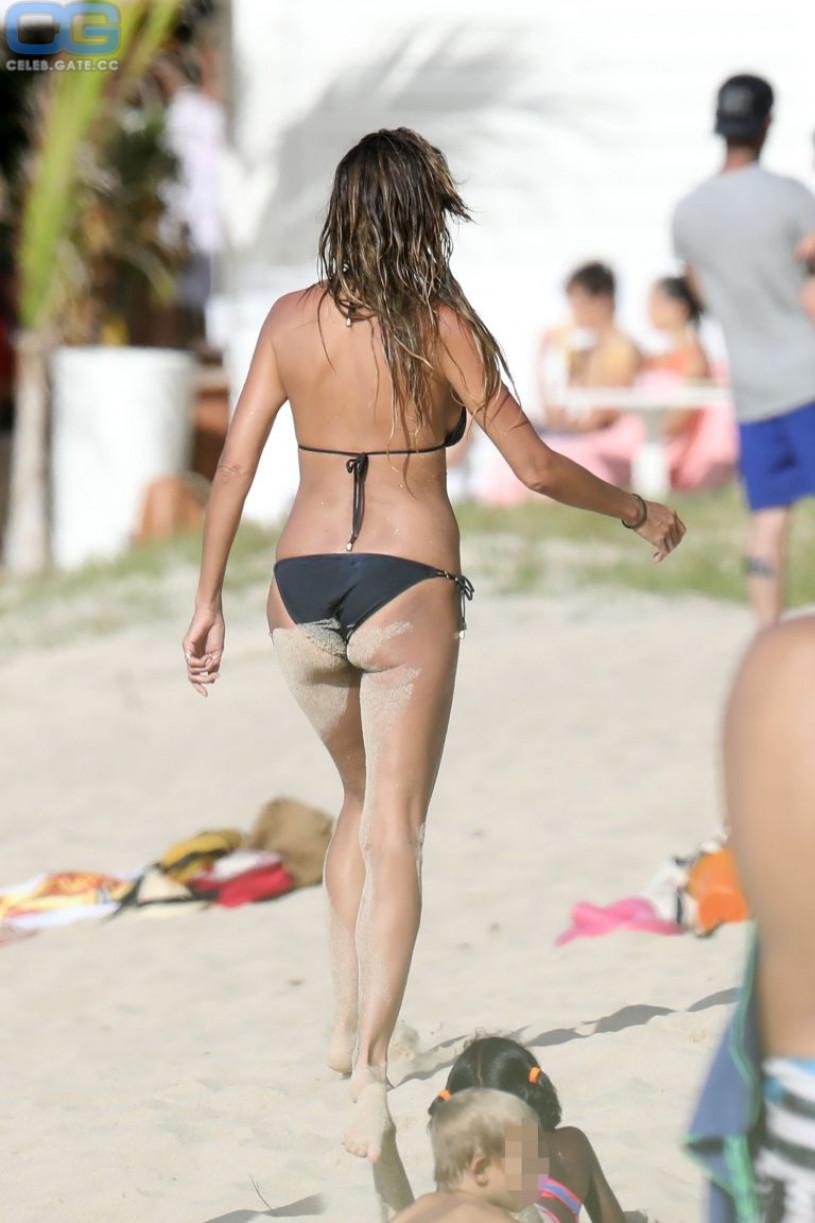 Heidi Klum beach