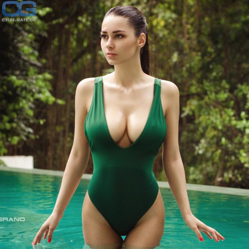 Helga Lovekaty Immagini Nude