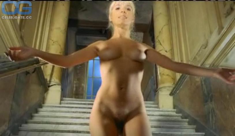 Nude softporn pics