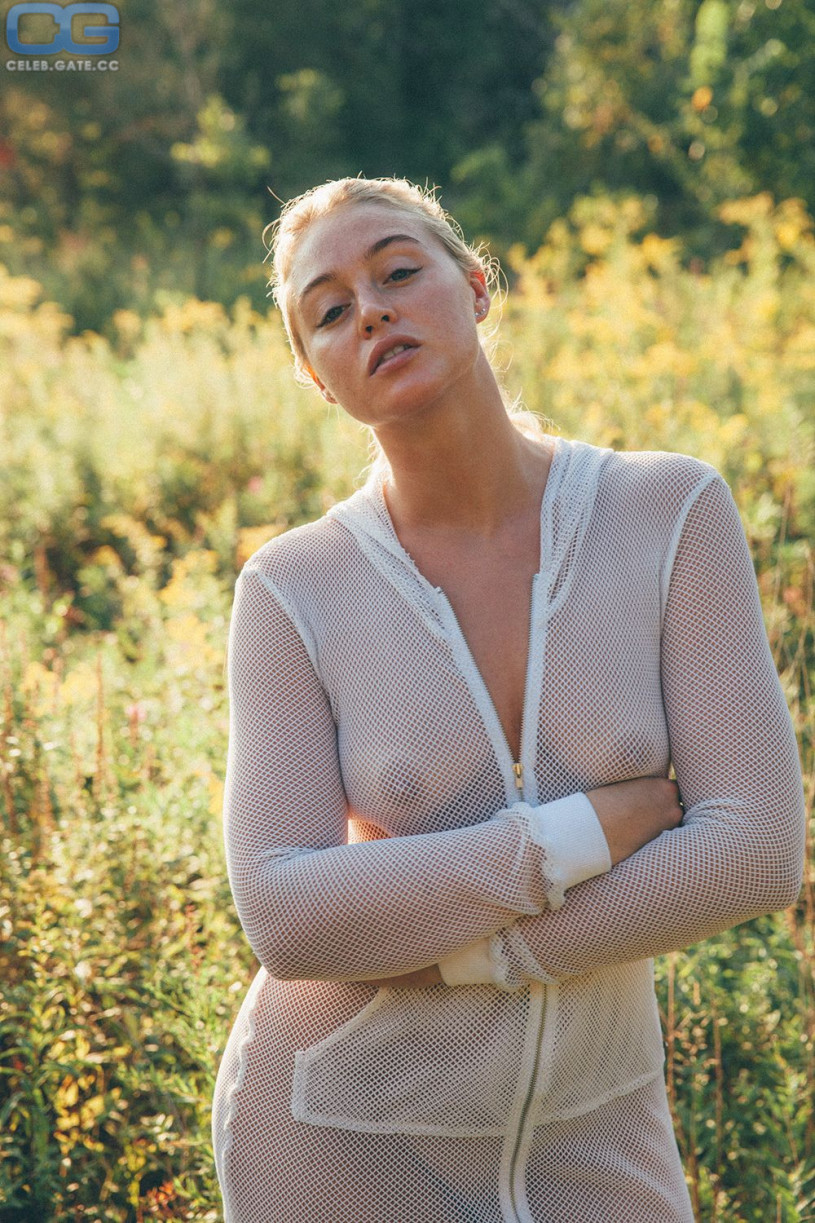 Iskra Lawrence topless