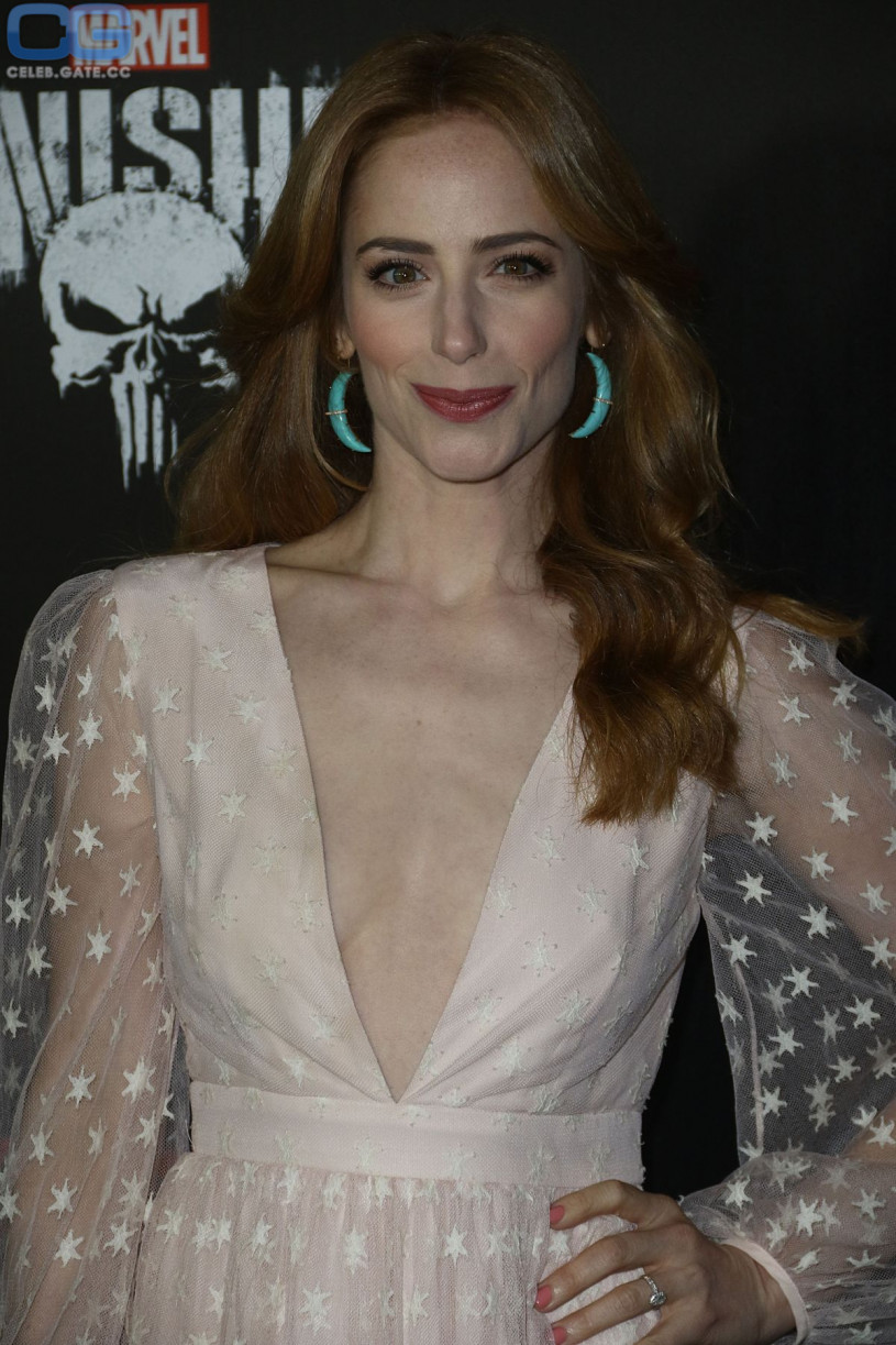 Jaime Ray Newman bralless