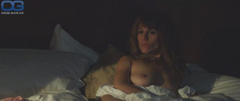 Jasmin gerät nackt