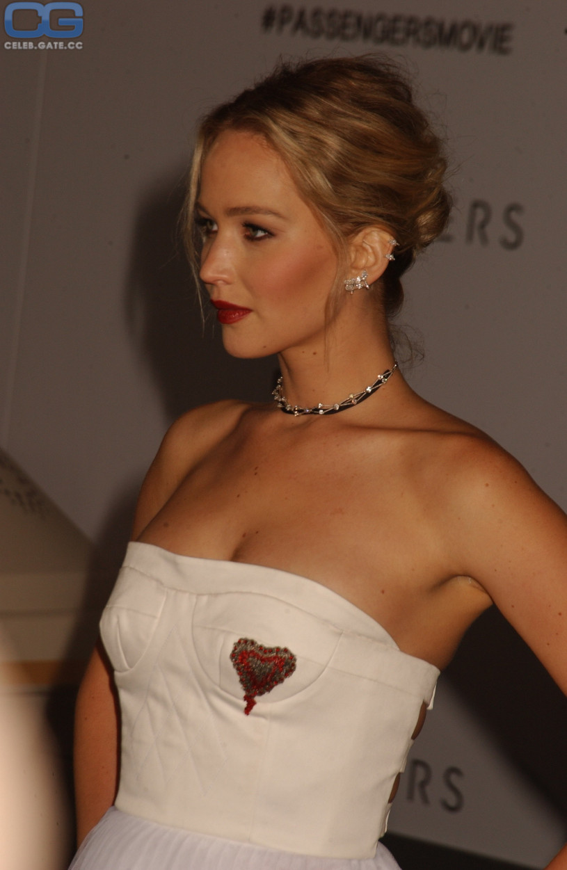 Jennifer Lawrence fake