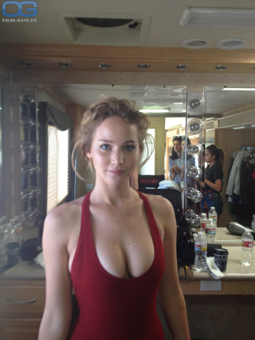 Jennifer Lawrence leaked photo