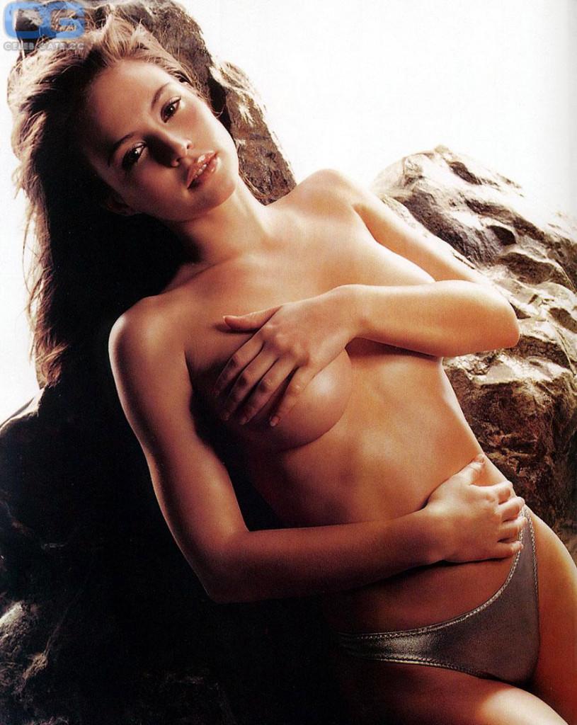 Charisma carpenter cleavage