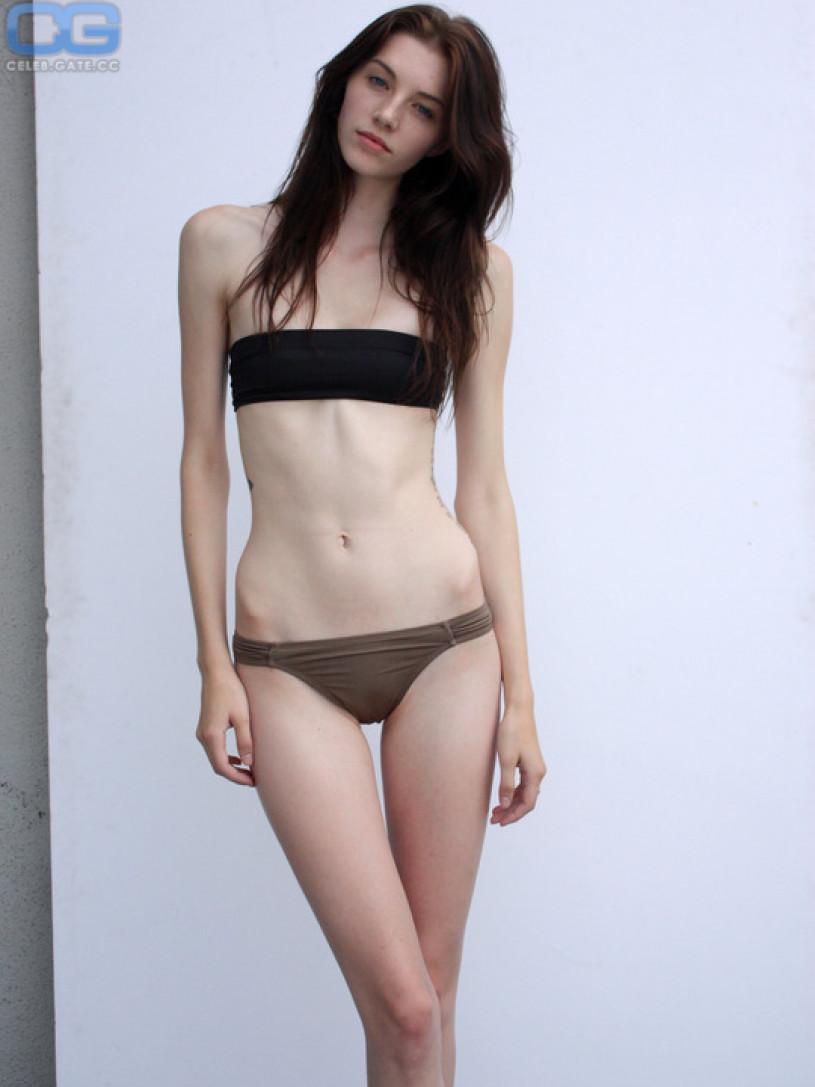 jourdan miller nude