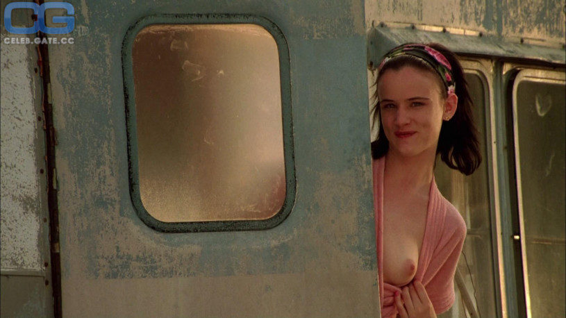 Naked pictures of juliette lewis