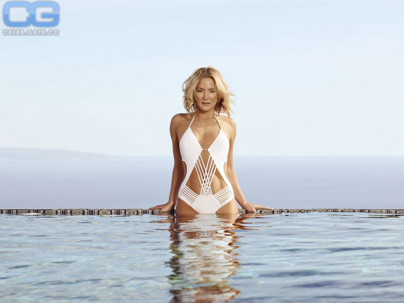 Kate hudson topless picture — img 10