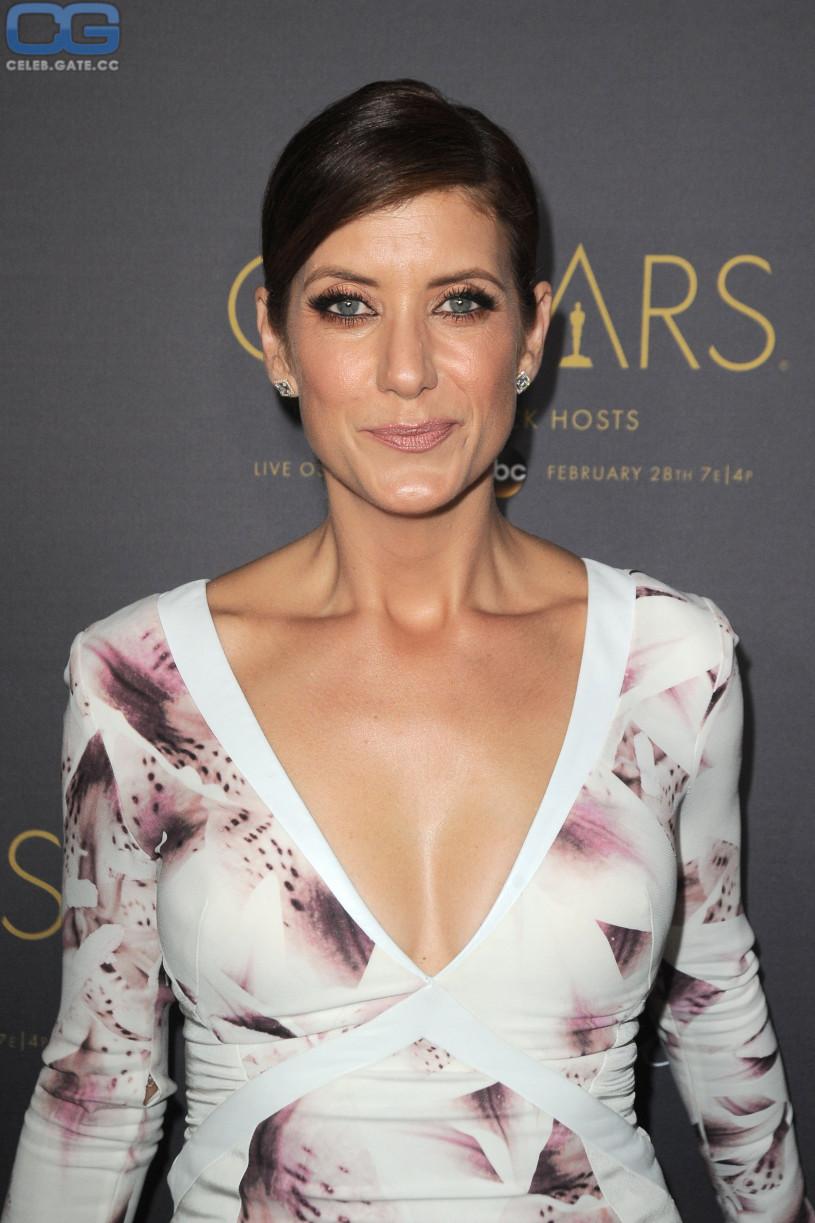 Kate Walsh cleavage