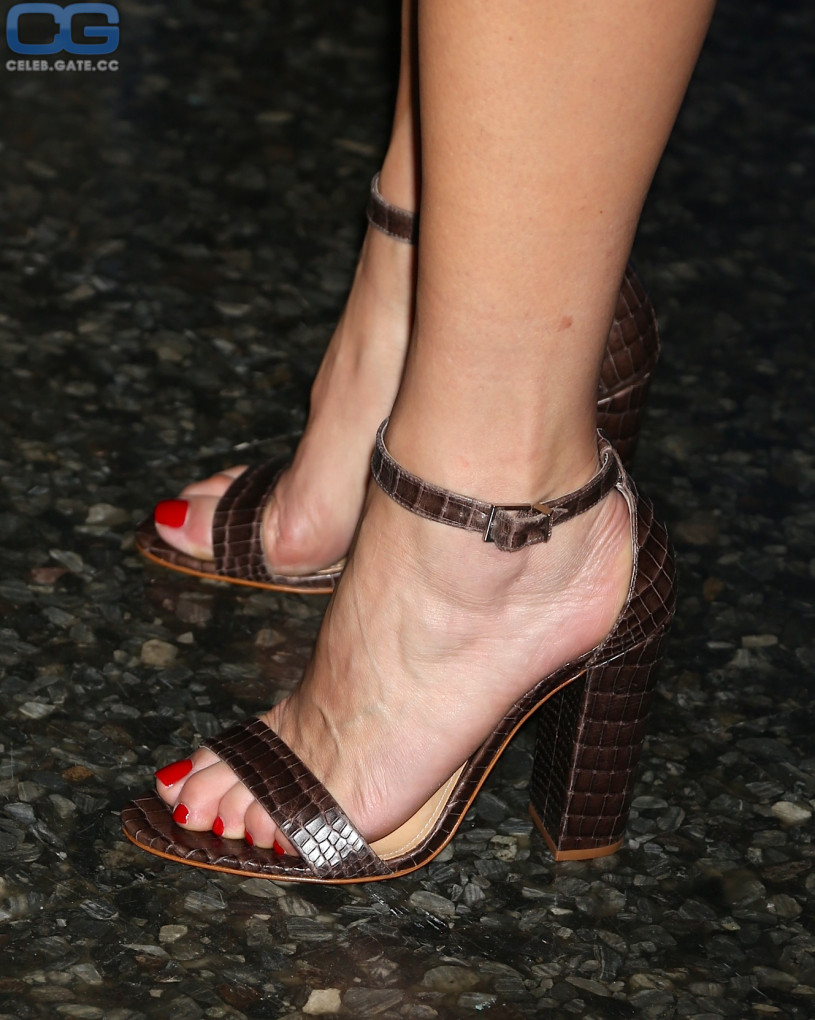 Kate Walsh feet