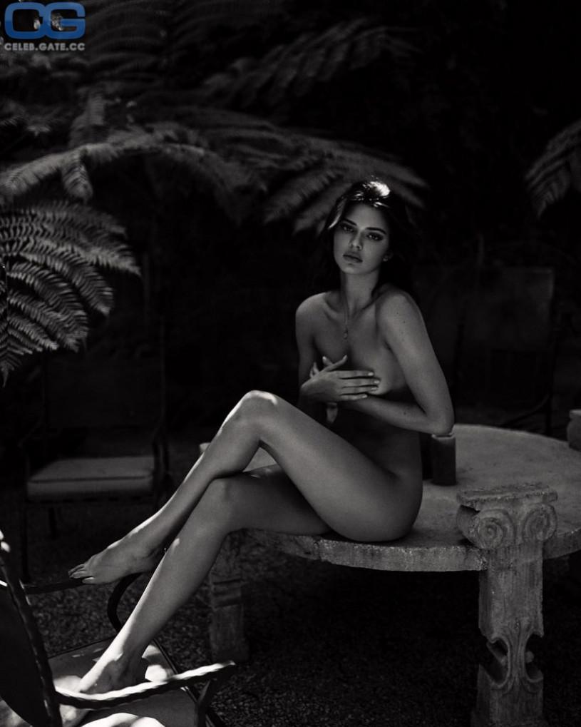 Kendall Jenner naked
