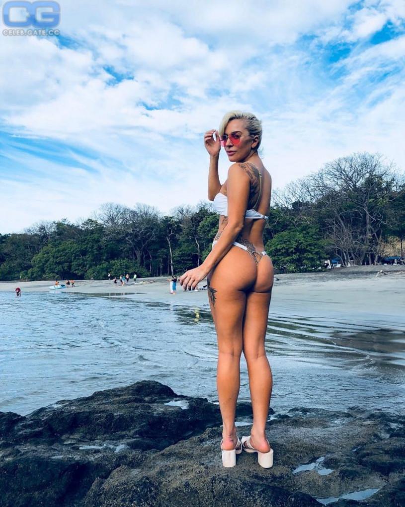 Amanda crew naked ass