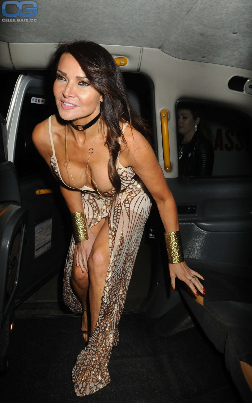 Topless Lizzie Cundy nude (91 photos), Sexy, Hot, Boobs, lingerie 2006