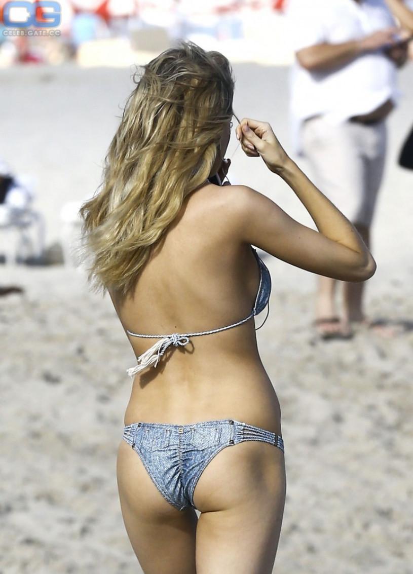 Louisa Warwick ass