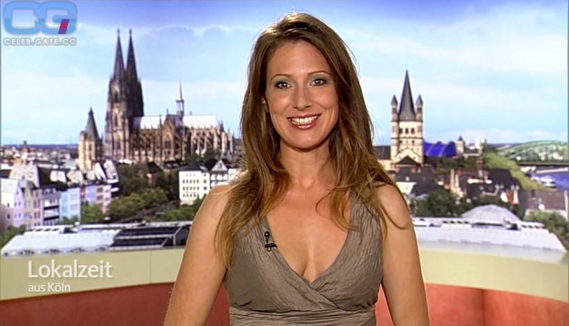 Mara Bergmann Nackt
