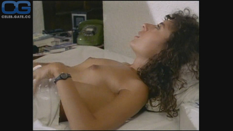 Kira kener nude