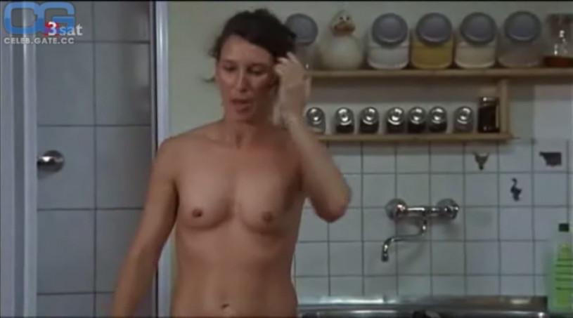 Nacktfotos von Riley Keough im Internet - Mediamass