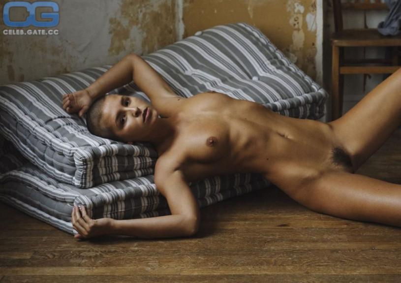 Janelle stelson nude