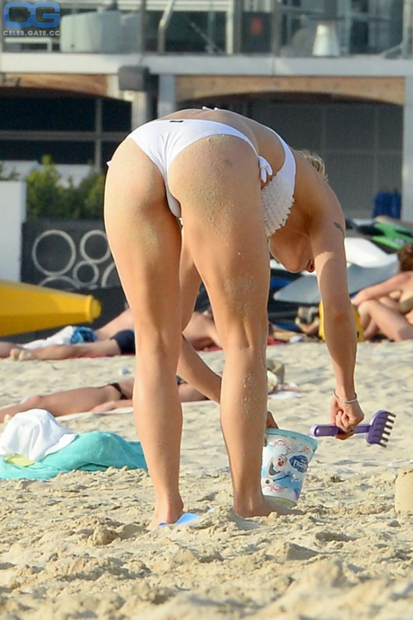 hunziker-nude-fake-muscular-women-tennis-naked