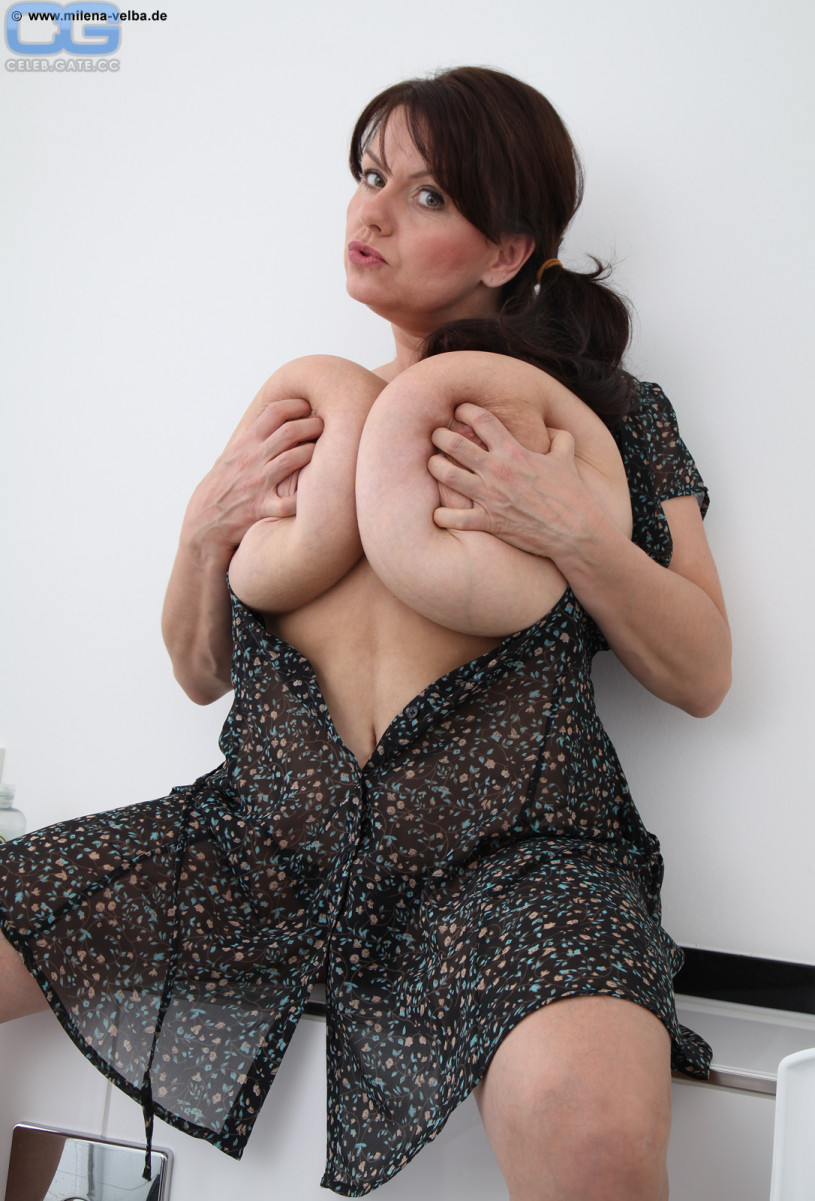 Megan Fox Brüste