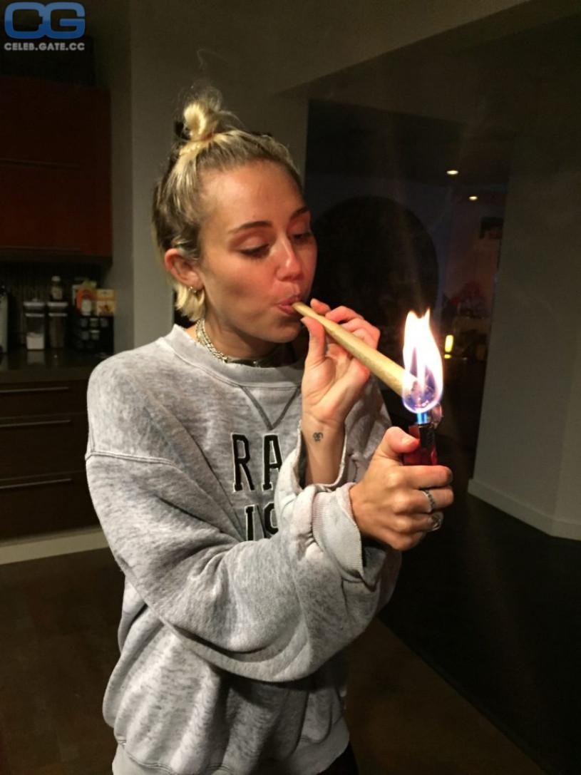 Miley Cyrus leaked