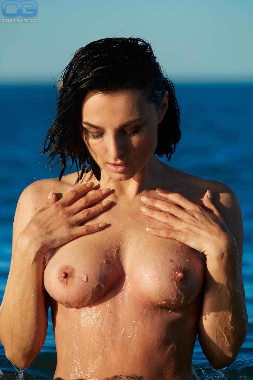 Mimi fiedler nackt im playboy