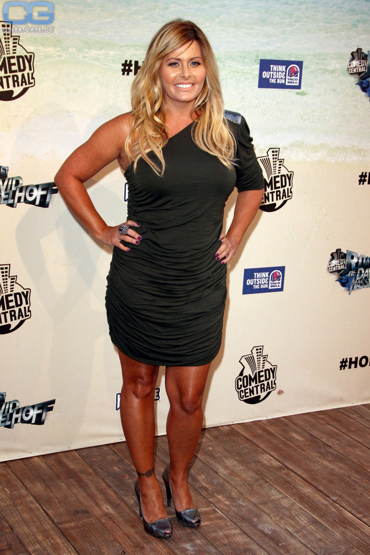 Nicole Eggert hot