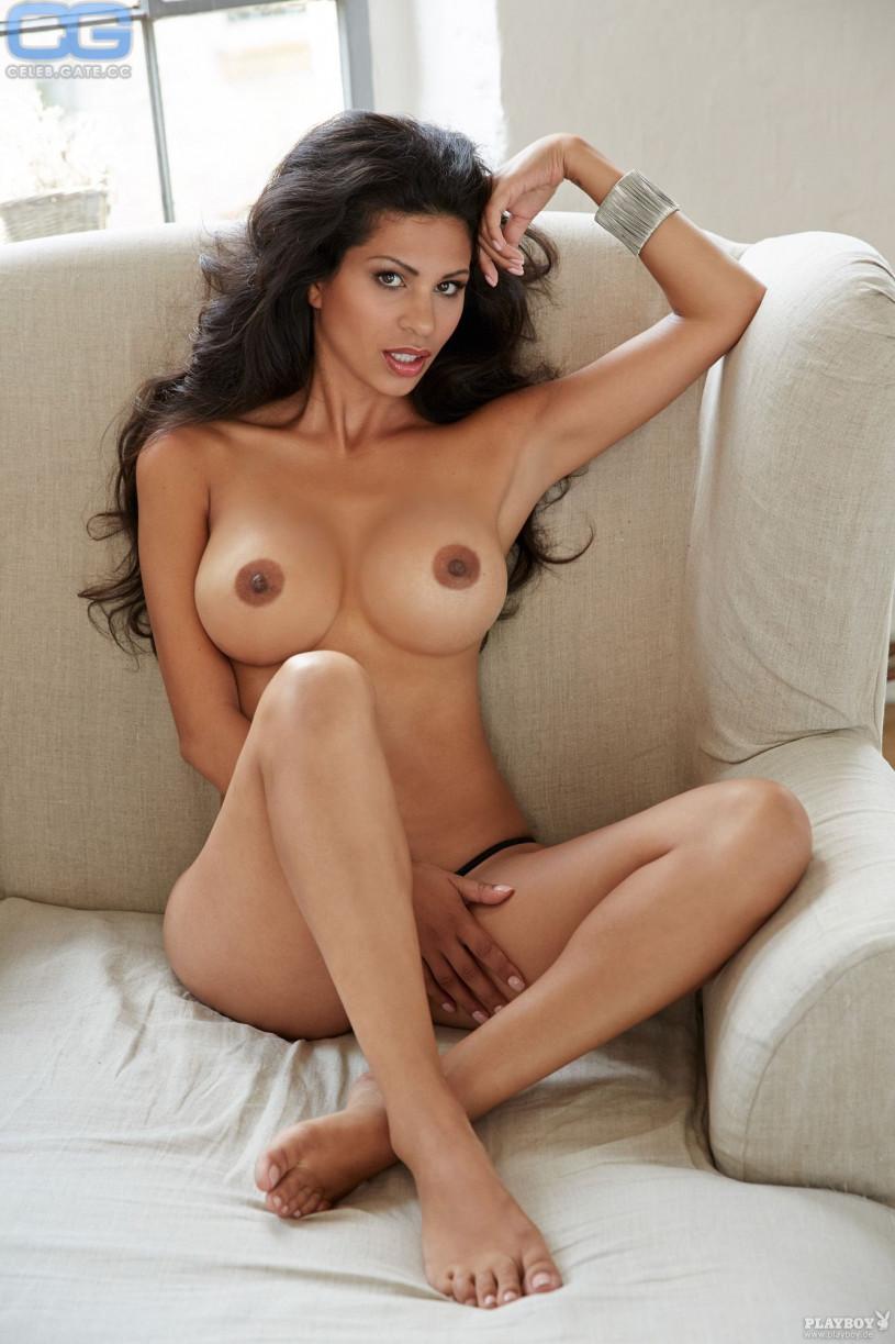 Nina nackt
