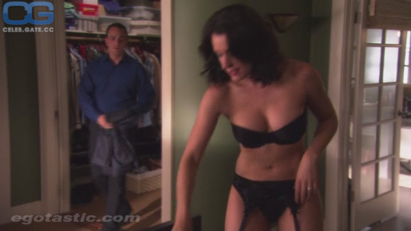 Paget Brewster Body