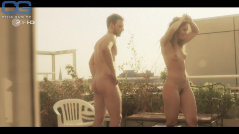Peri Baumeister Nude
