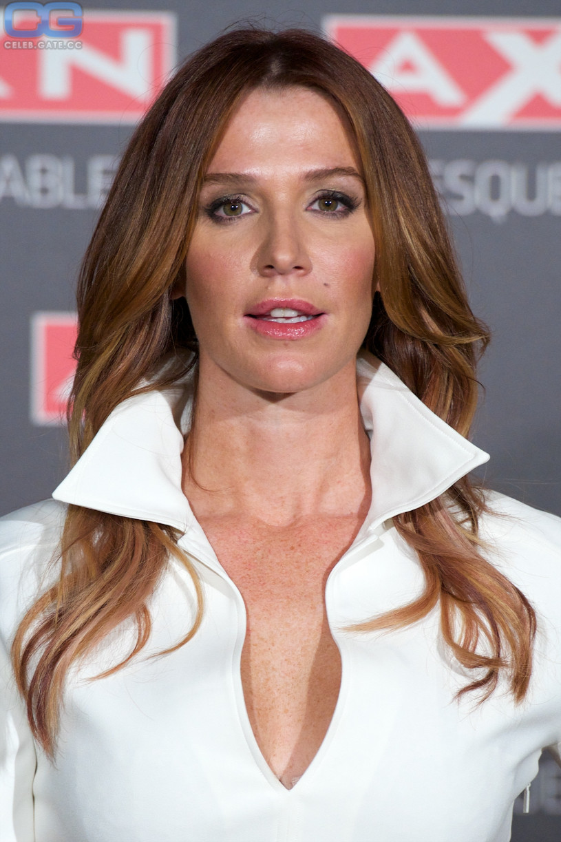 Poppy montgomery nude naked sex