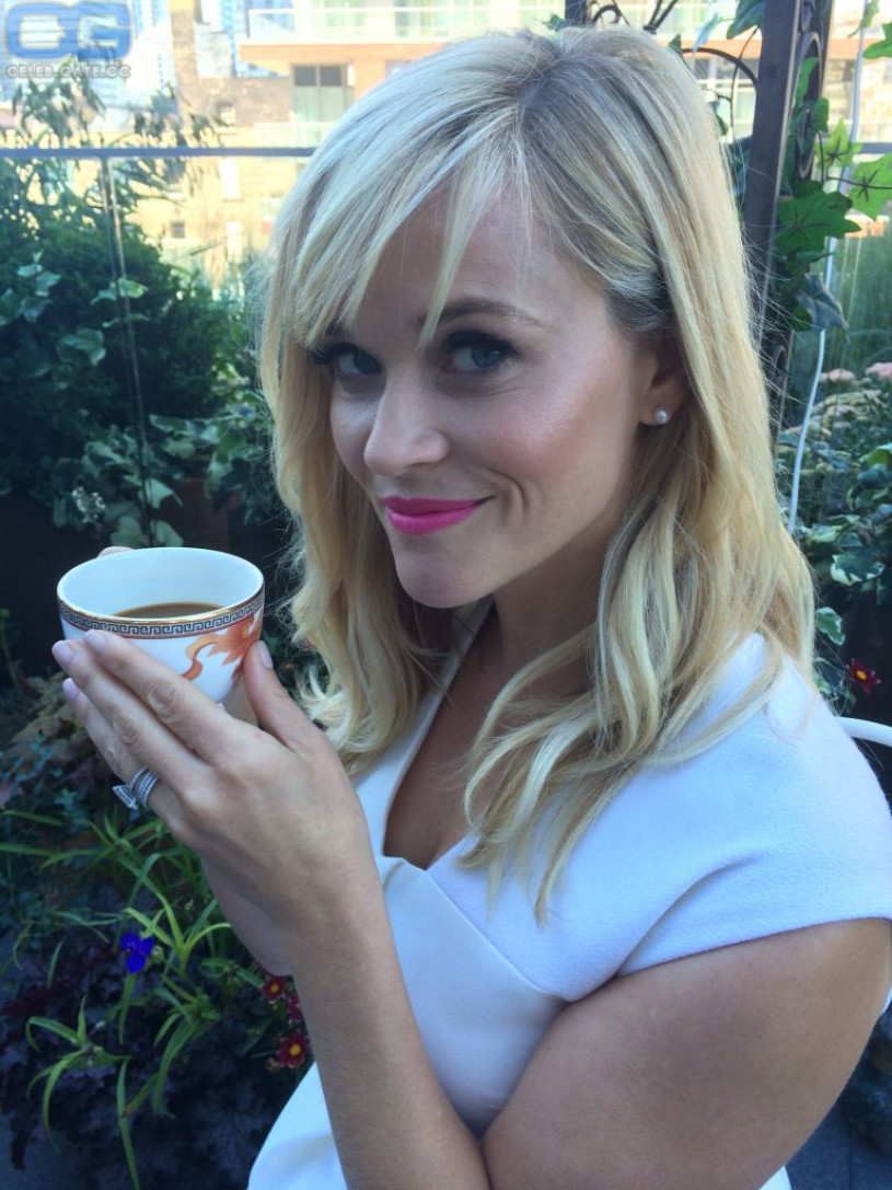 Reese Witherspoon Naked Pics