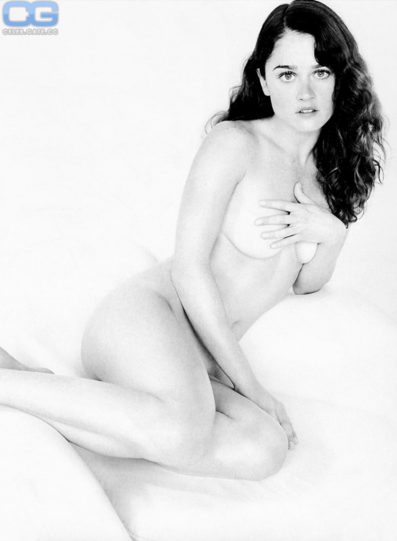 The purpose ROBIN TUNNEY FAKES NUDE