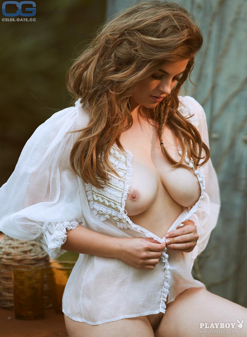 Maria Voskania nackt, Oben ohne Bilder, Playboy Fotos,