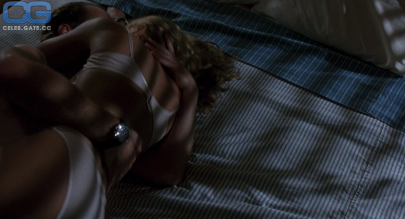 blonde girl nude sex