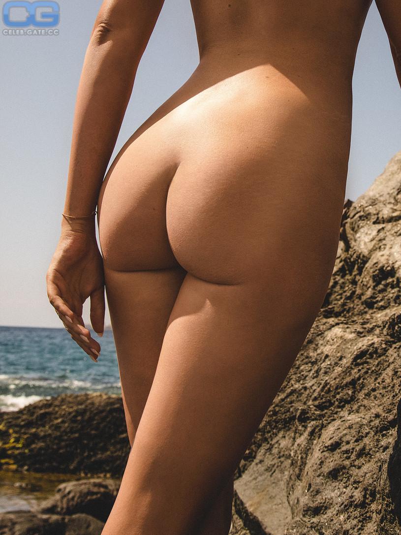 sarah knappik nackt bilder