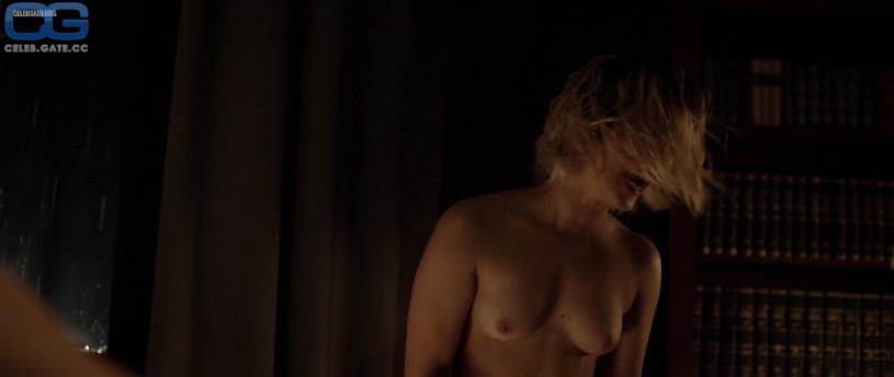 sarah-sofie boussnina nude