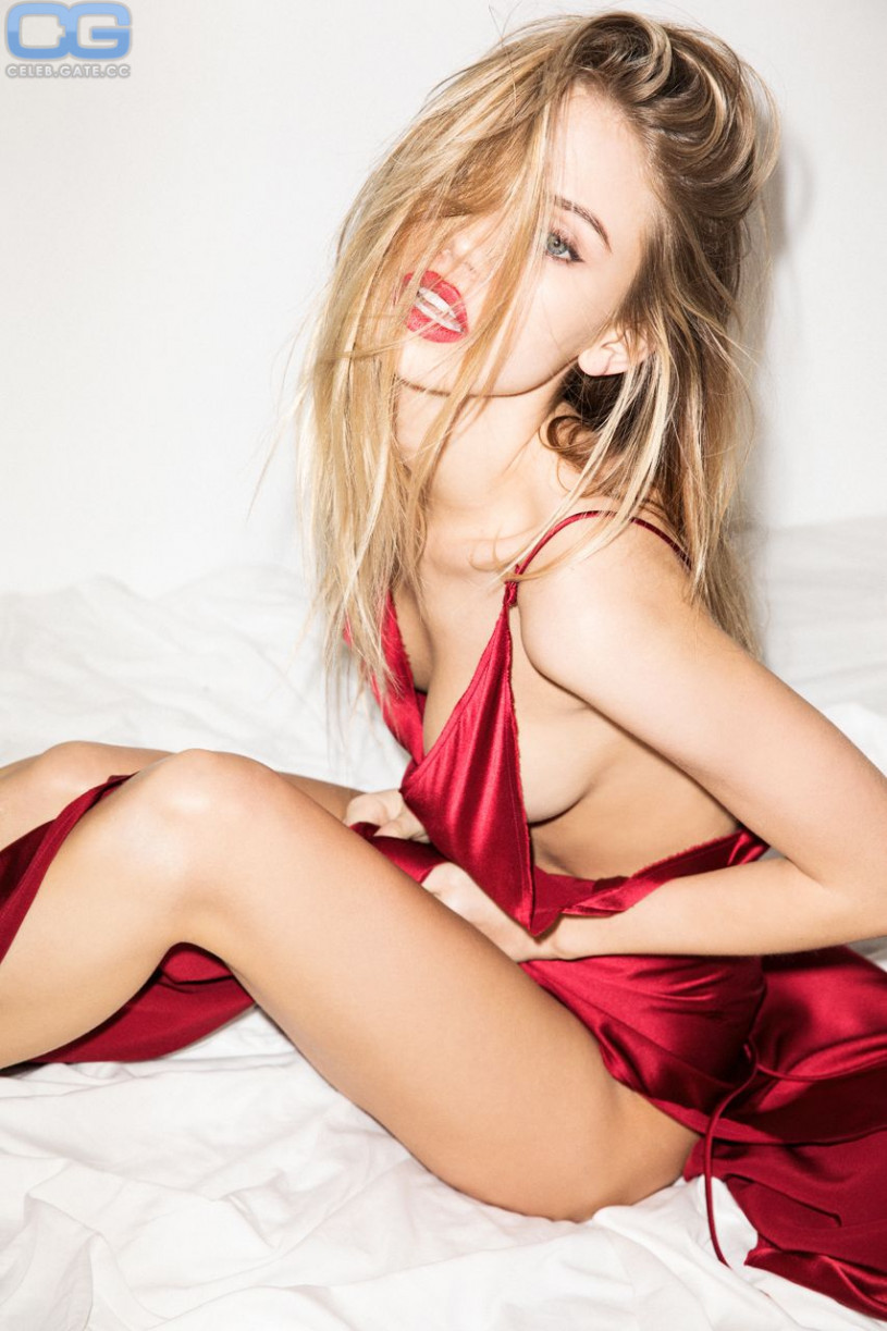 Sexy Topless Scarlett Leithold  naked (14 foto), Snapchat, cameltoe