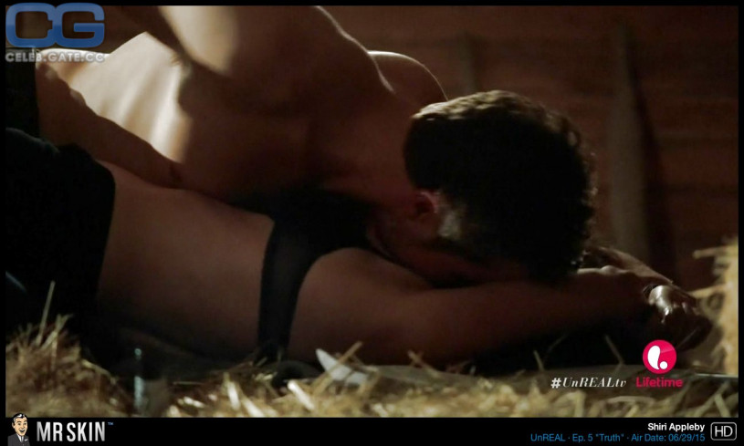 Shiri Appleby nude scene