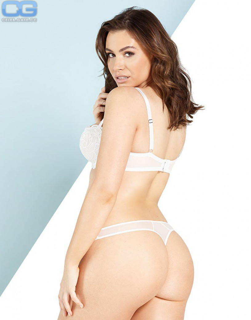 Naked sophie simmons