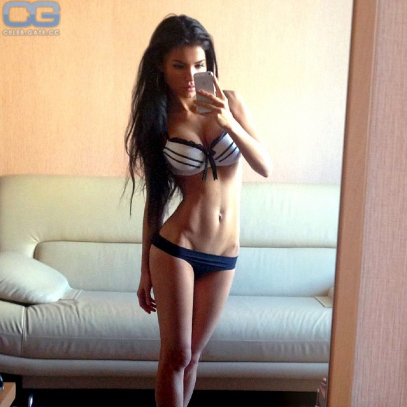 Svetlana Bilyalova dessous