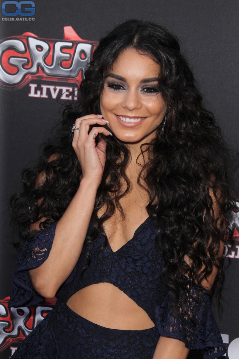 Vanessa Hudgens braless