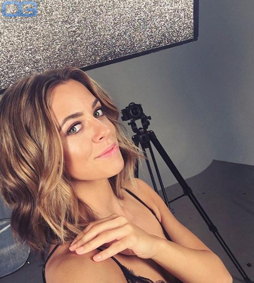 Vanessa Marcil Nackt - biguzde