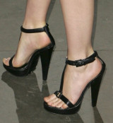 female celeb feet